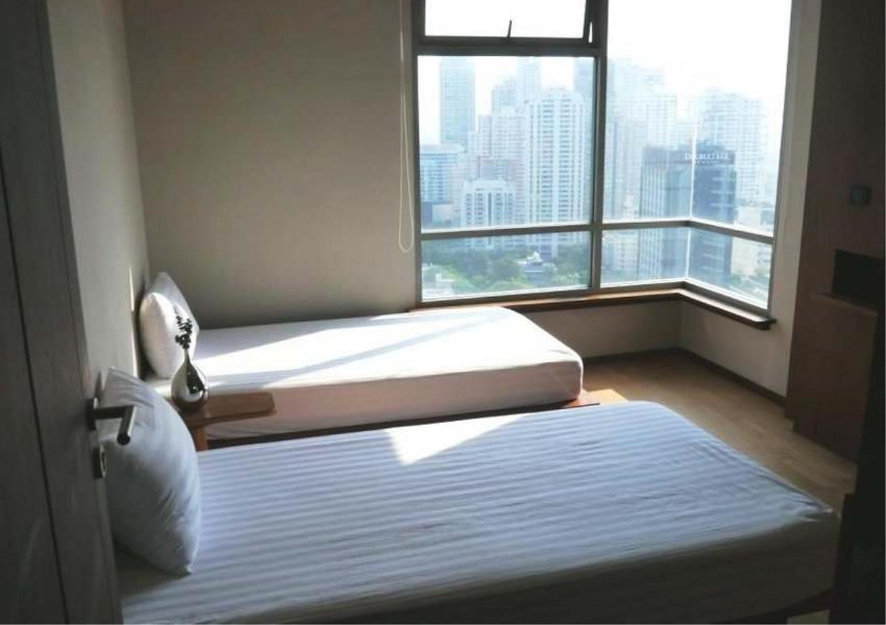 Bangkok Residential Agency's 3 Bed Condo For Rent in Phrom Phong BR3572CD 6