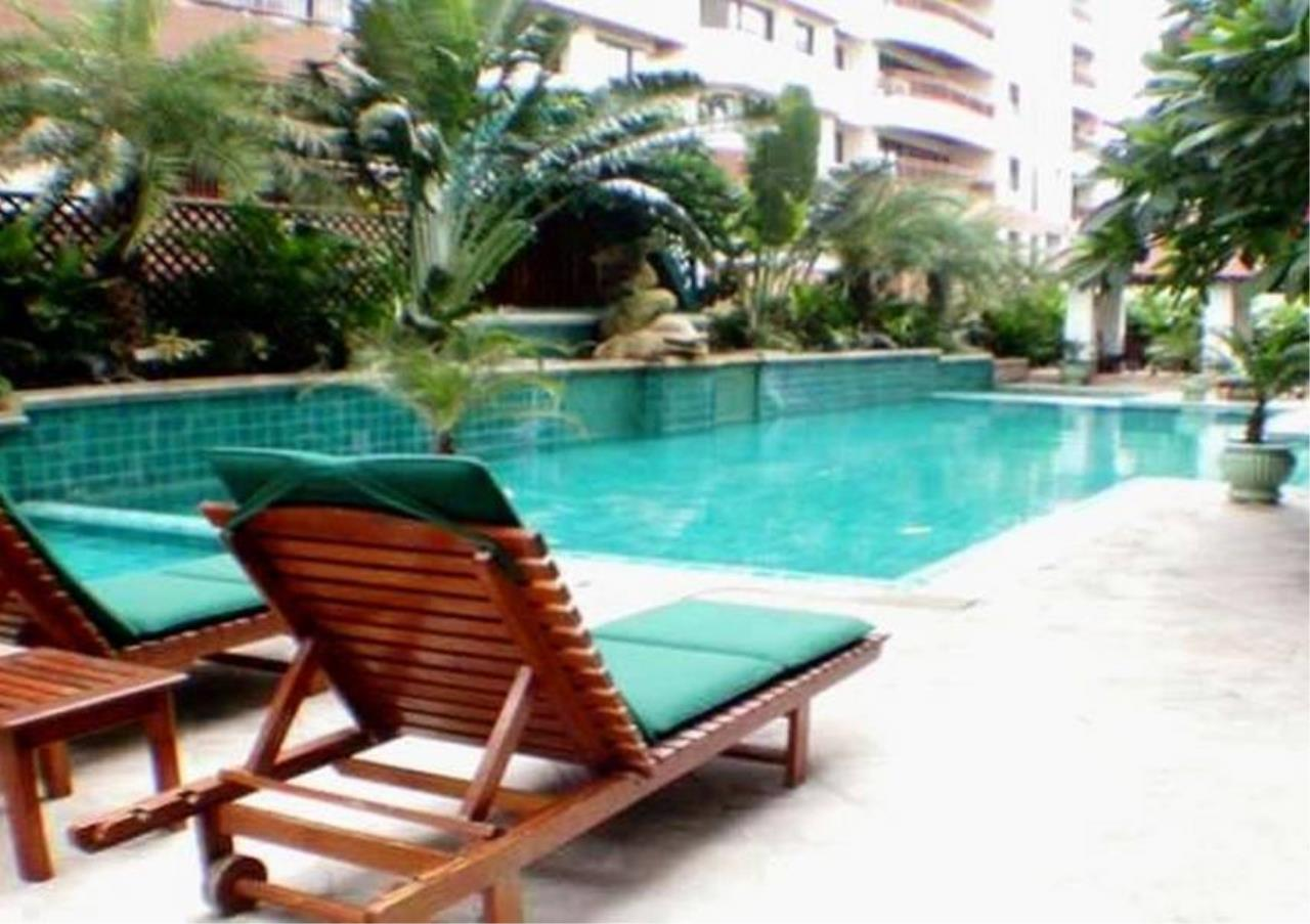 Bangkok Residential Agency's 6 Bed Condo For Rent in Nana BR3644CD 14