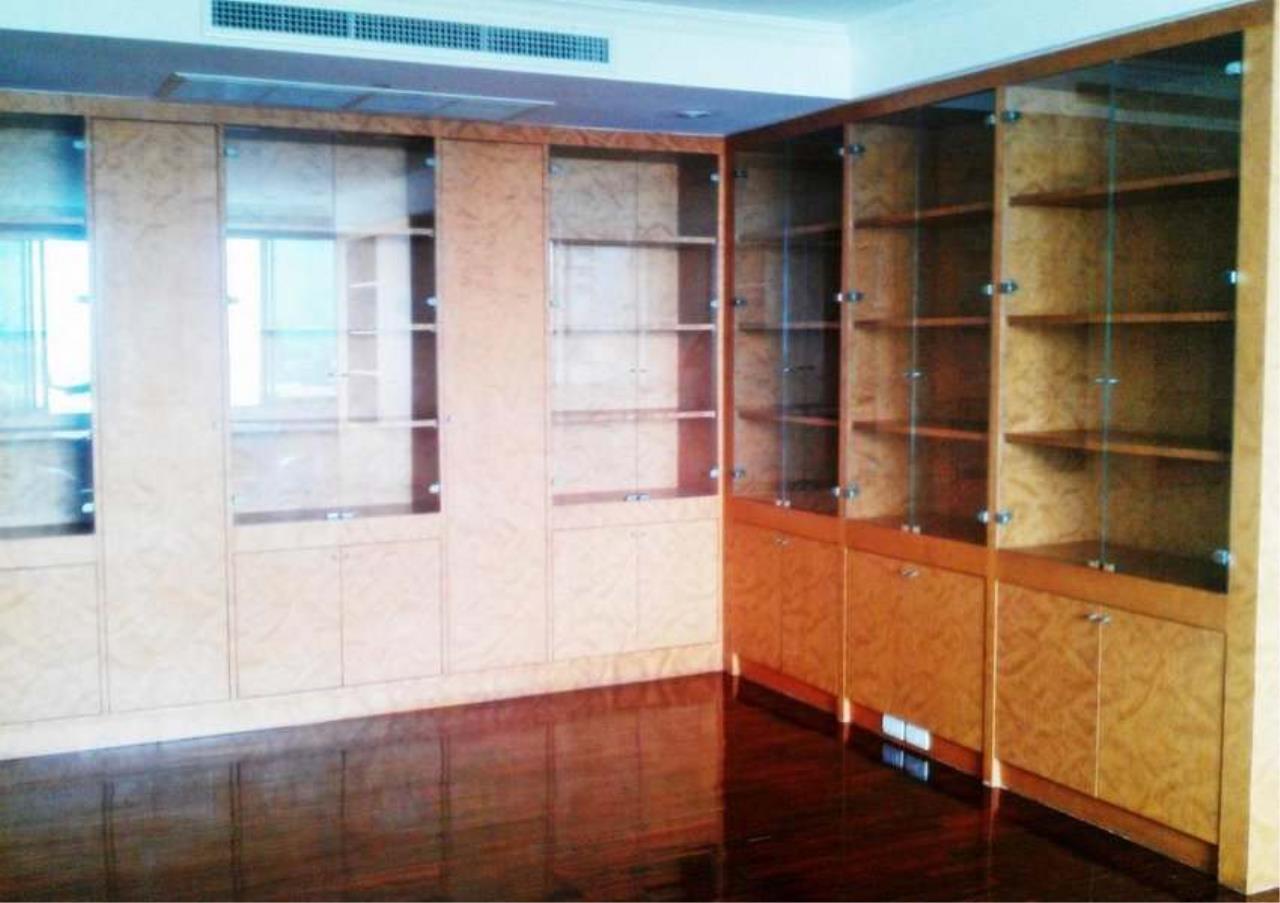 Bangkok Residential Agency's 5 Bed Condo For Rent in Nana BR3736CD 2