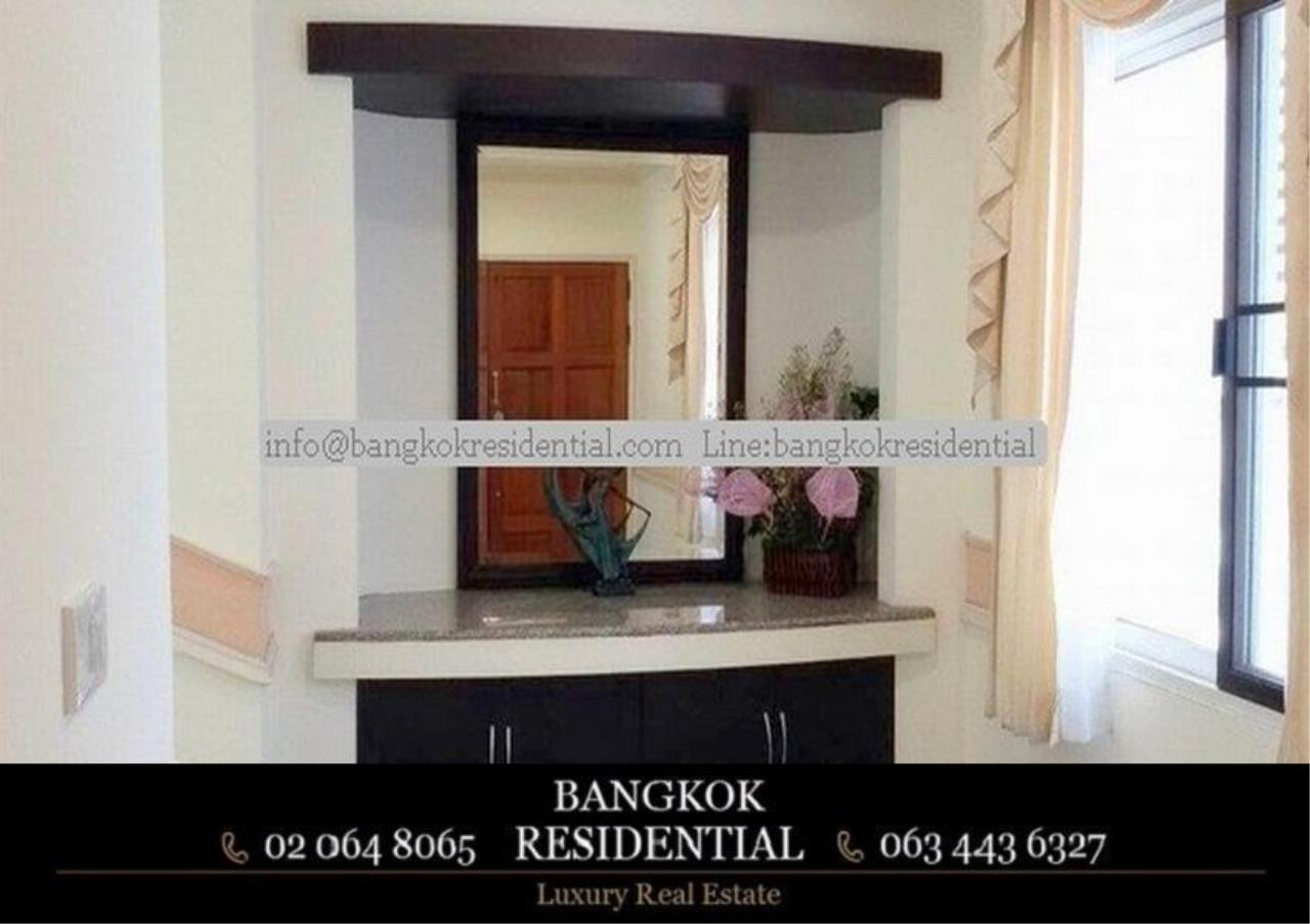 Bangkok Residential Agency's 3 Bed Condo For Rent in Phrom Phong BR3826CD 5