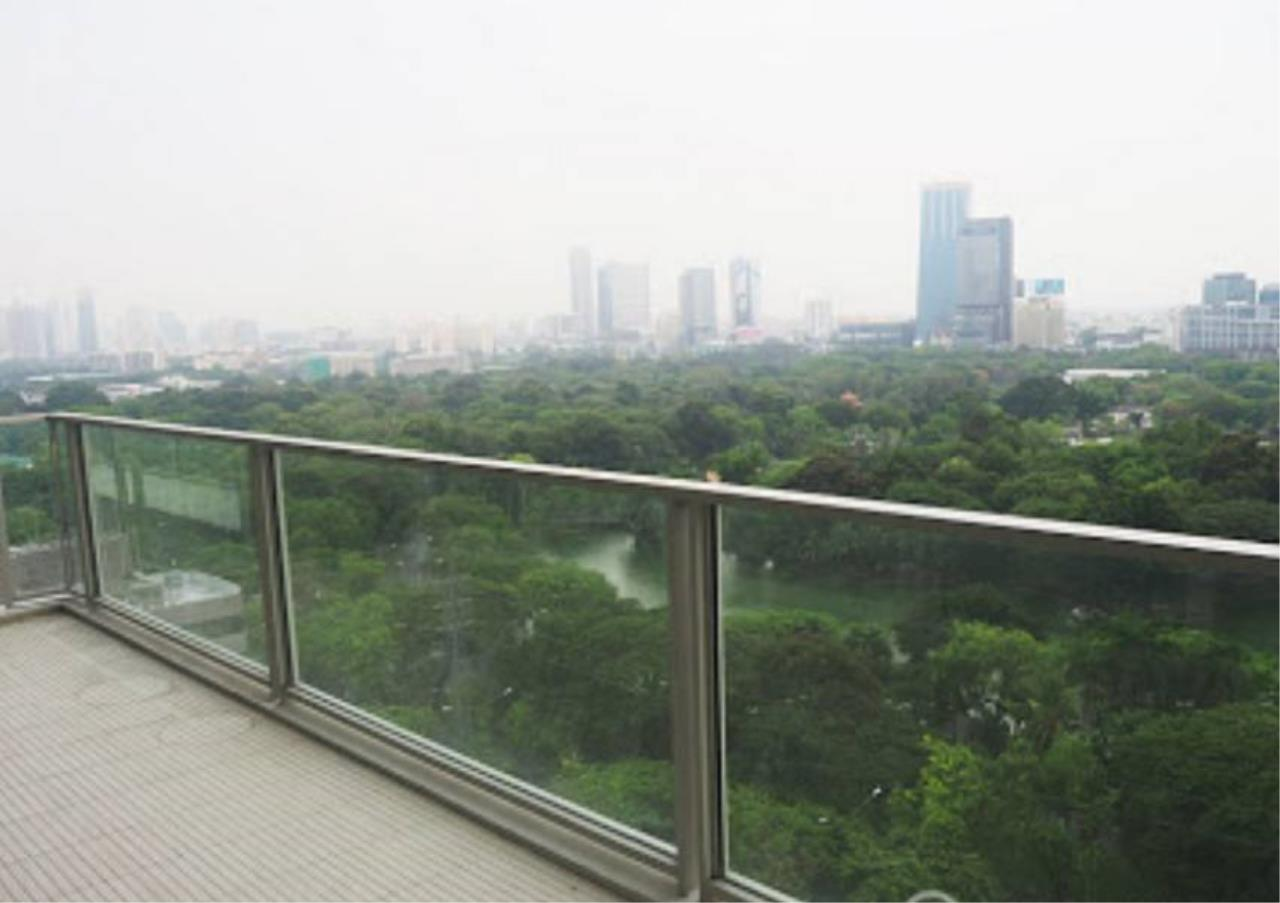 Bangkok Residential Agency's 2 Bed Condo For Rent in Ratchadamri BR3849CD 6