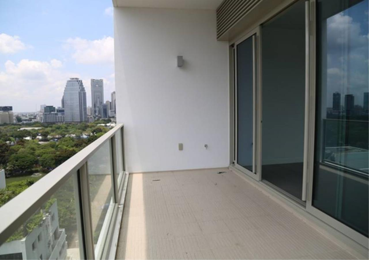 Bangkok Residential Agency's 2 Bed Condo For Rent in Ratchadamri BR3849CD 5