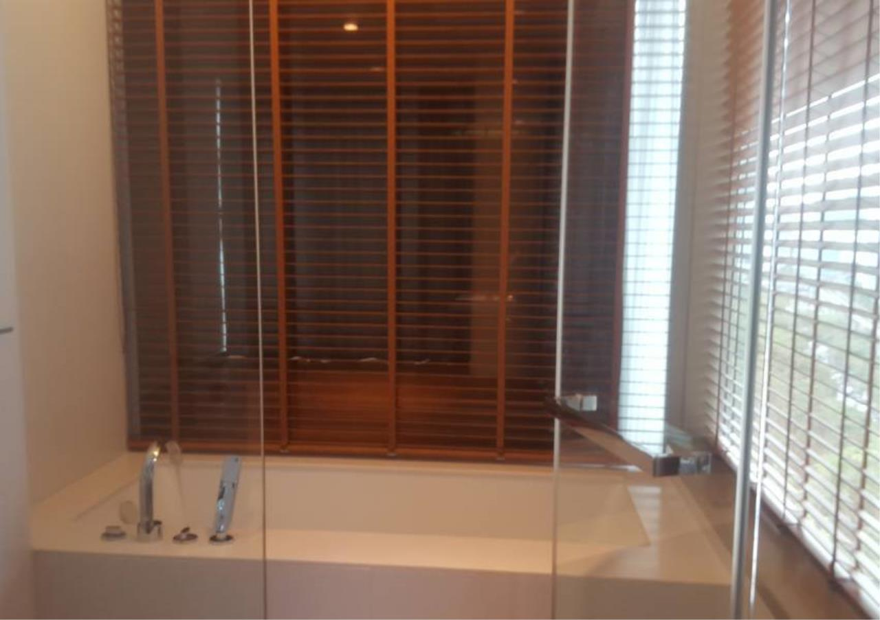 Bangkok Residential Agency's 2 Bed Condo For Rent in Ratchadamri BR3849CD 3