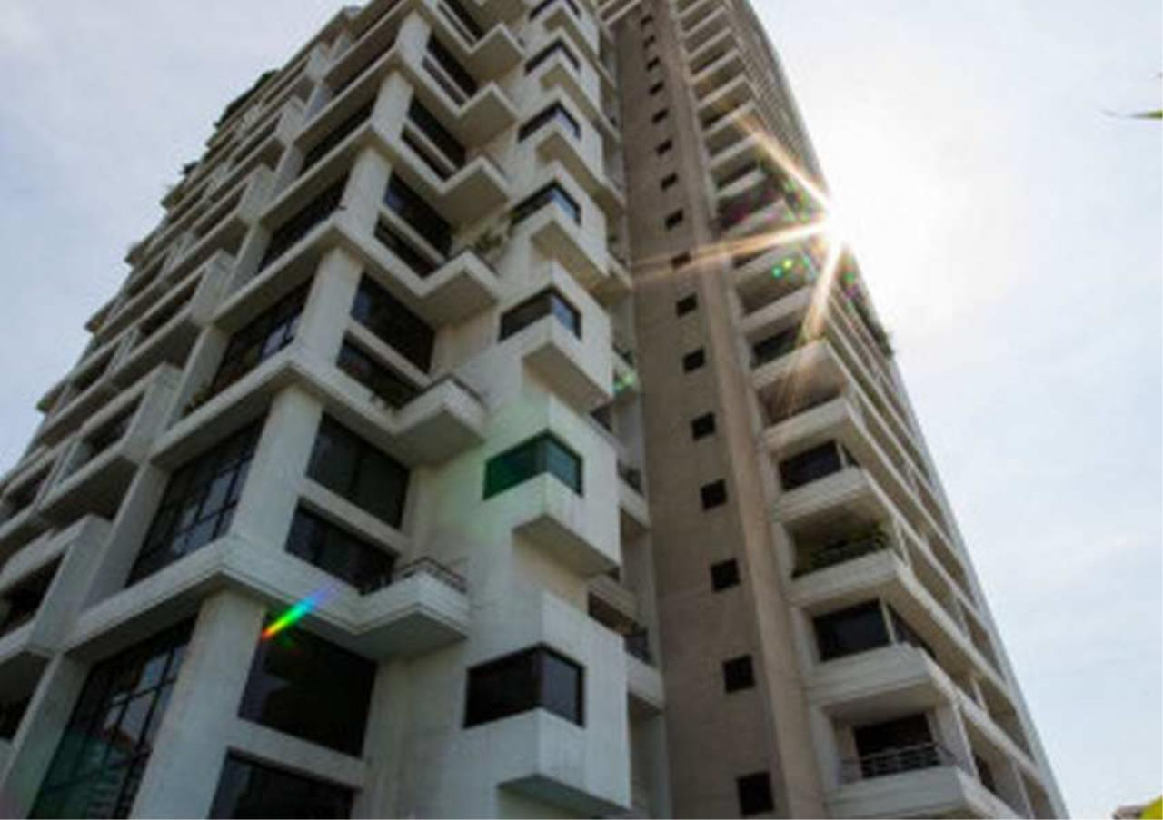 Bangkok Residential Agency's 3 Bed Condo For Rent in Thonglor BR3858CD 6