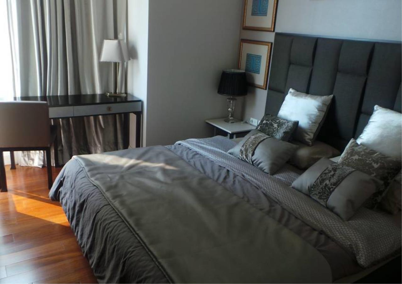Bangkok Residential Agency's 2 Bed Condo For Rent in Chidlom BR3877CD 1