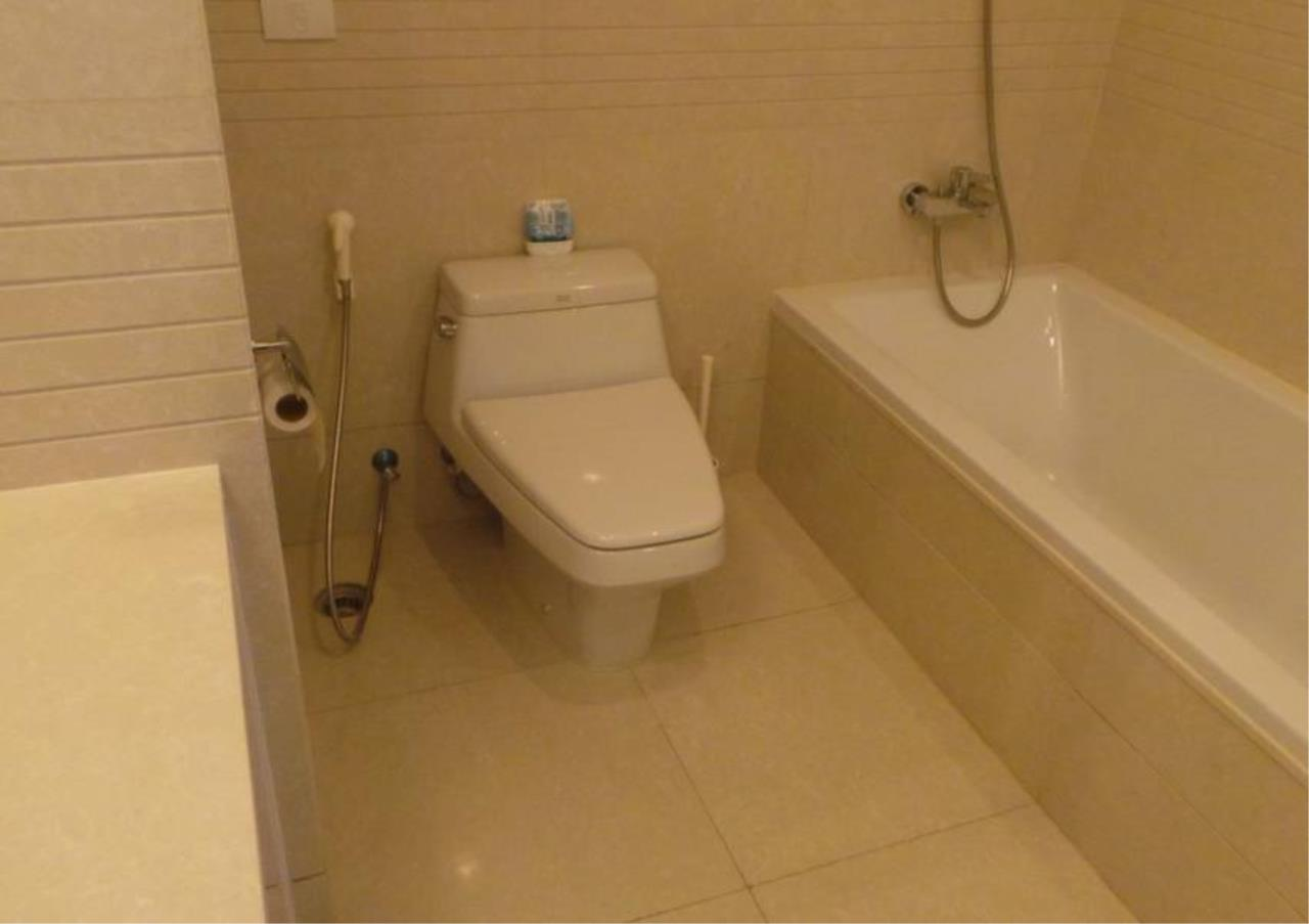 Bangkok Residential Agency's 2 Bed Condo For Rent in Chidlom BR3877CD 5