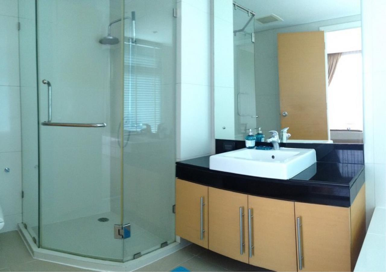 Bangkok Residential Agency's 3 Bed Condo For Rent in Ekkamai BR3991CD 9