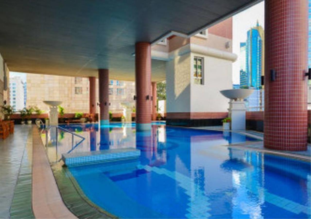 Bangkok Residential Agency's 3 Bed Condo For Rent in Asoke BR4149CD 2