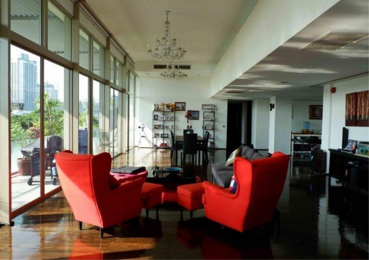 Bangkok Residential Agency's 4 Bed Duplex Condo For Sale in Phra Khanong BR4154CD 1
