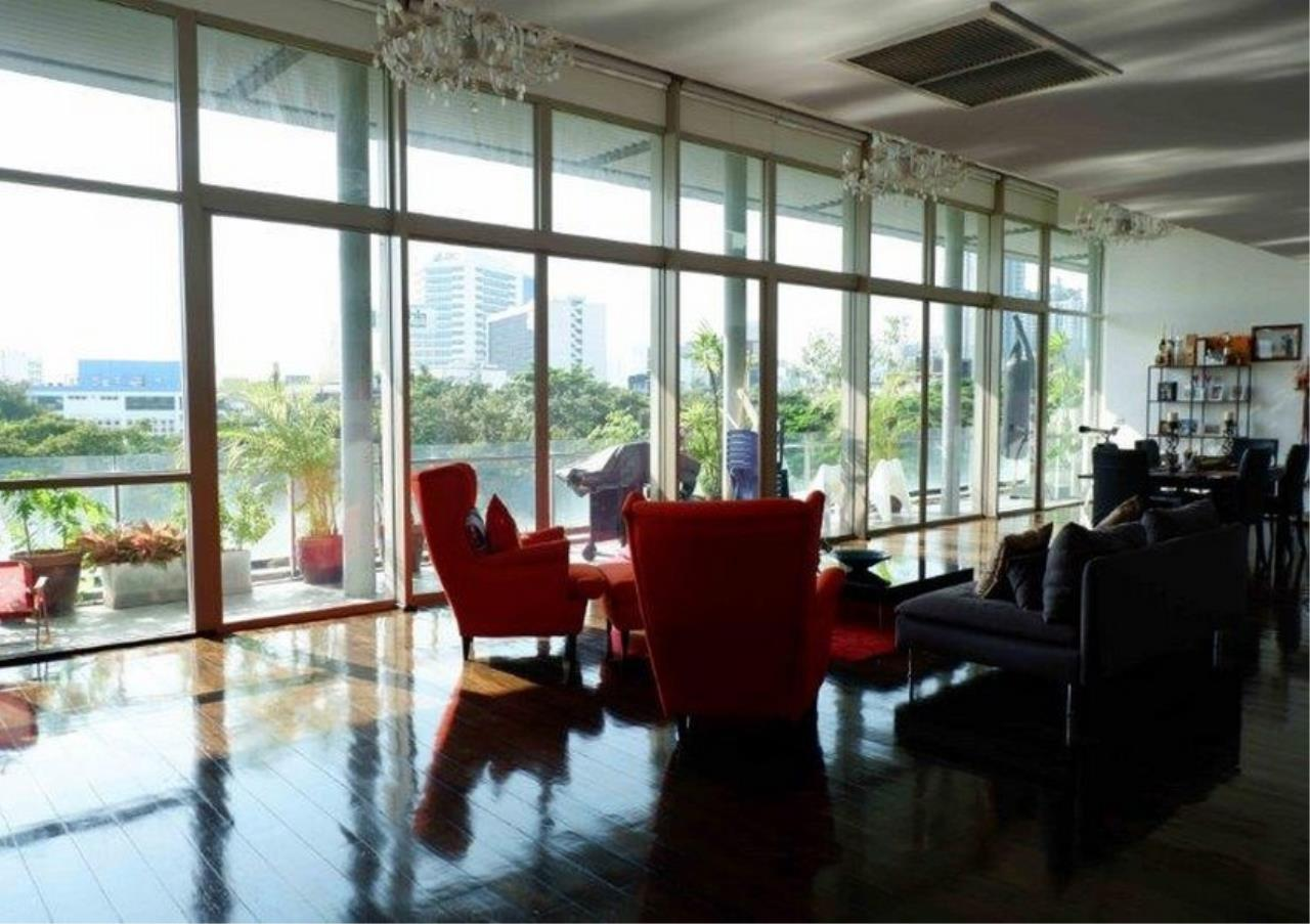 Bangkok Residential Agency's 4 Bed Duplex Condo For Sale in Phra Khanong BR4154CD 2