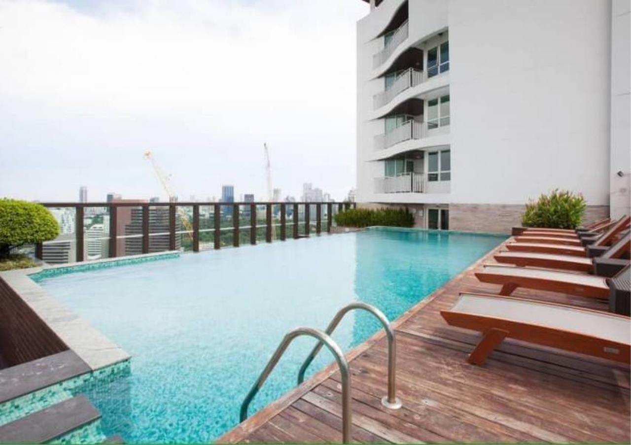 Bangkok Residential Agency's 2 Bed Condo For Rent in Chidlom BR4157CD 1
