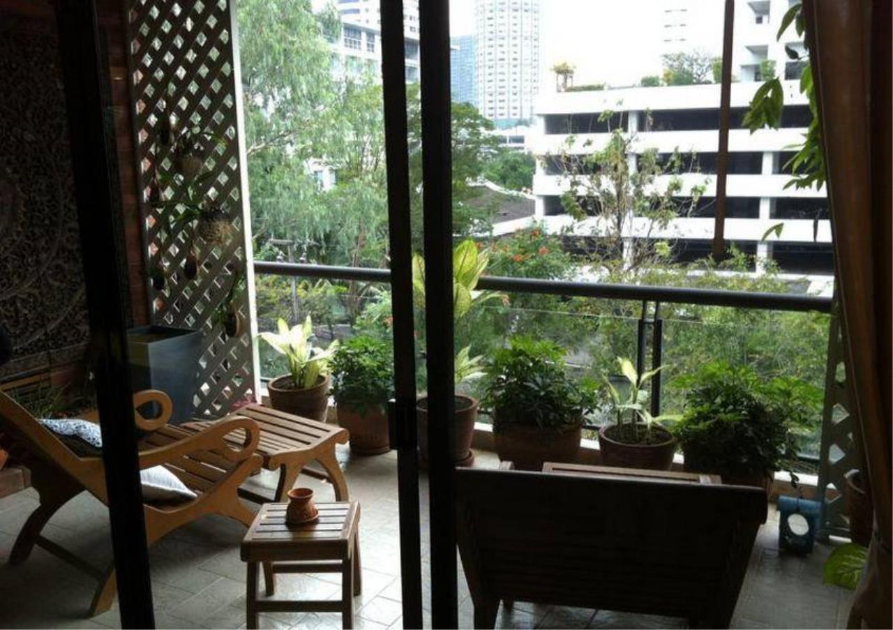 Bangkok Residential Agency's 4 Bed Condo For Rent in Ekkamai BR4171CD 6