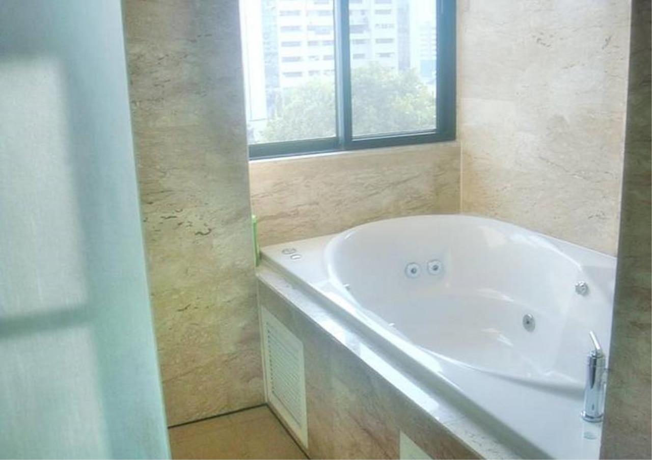 Bangkok Residential Agency's 4 Bed Condo For Rent in Phrom Phong BR4175CD 6
