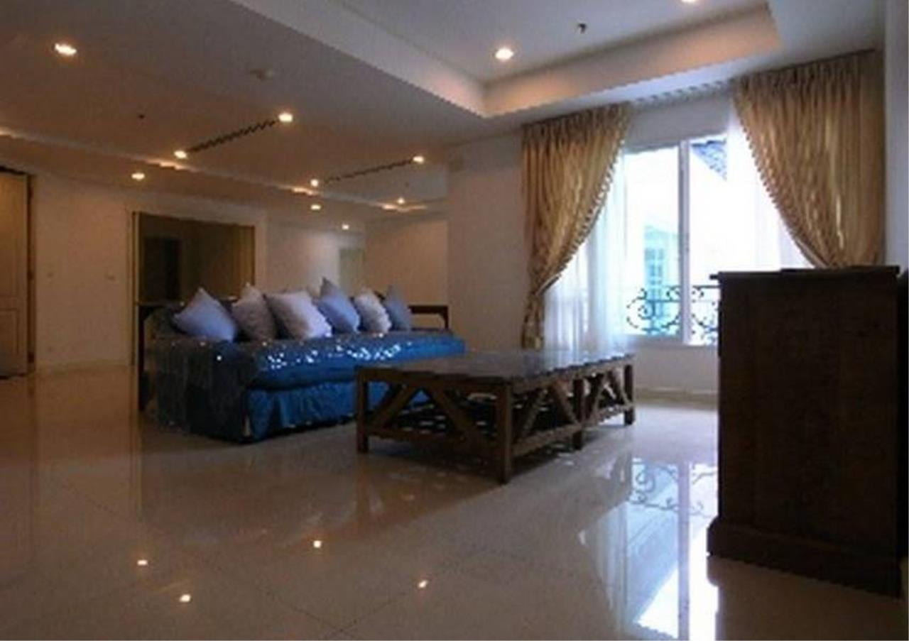 Bangkok Residential Agency's 3 Bed Condo For Rent in Thonglor BR4216CD 3