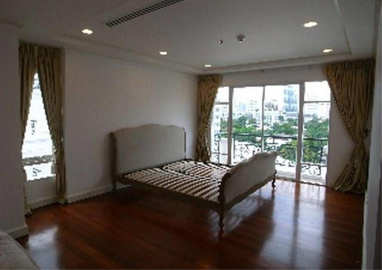 Bangkok Residential Agency's 3 Bed Condo For Rent in Thonglor BR4216CD 6