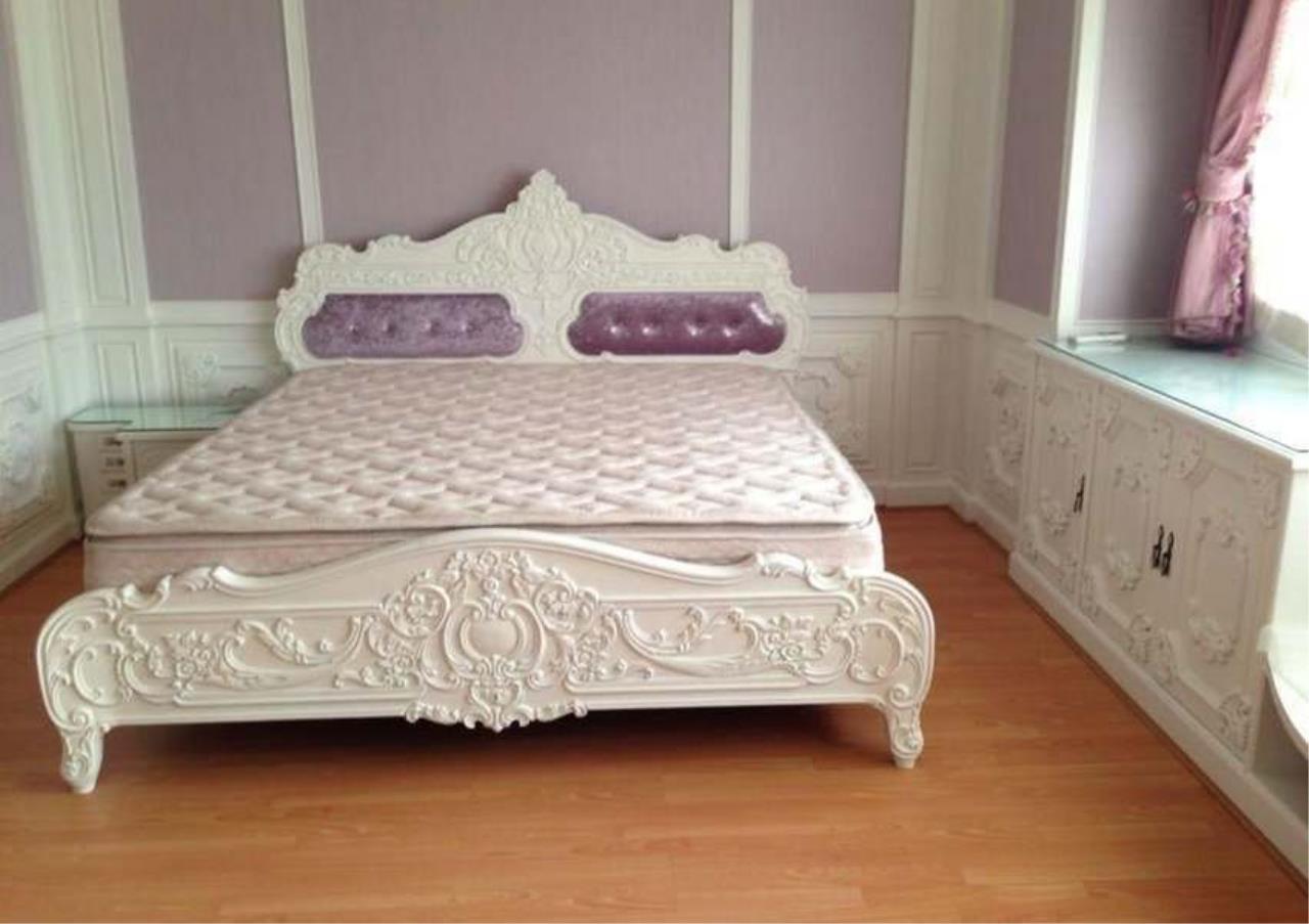 Bangkok Residential Agency's 3 Bed Condo For Rent in Ekkamai BR4246CD 2