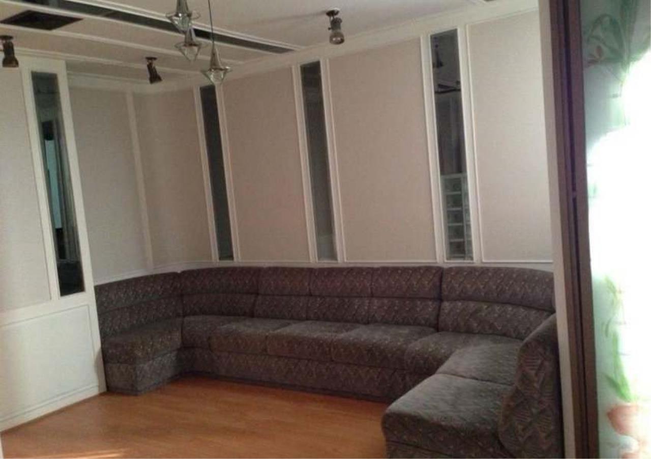 Bangkok Residential Agency's 3 Bed Condo For Rent in Ekkamai BR4246CD 4