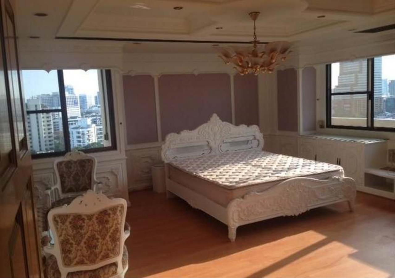 Bangkok Residential Agency's 3 Bed Condo For Rent in Ekkamai BR4246CD 5