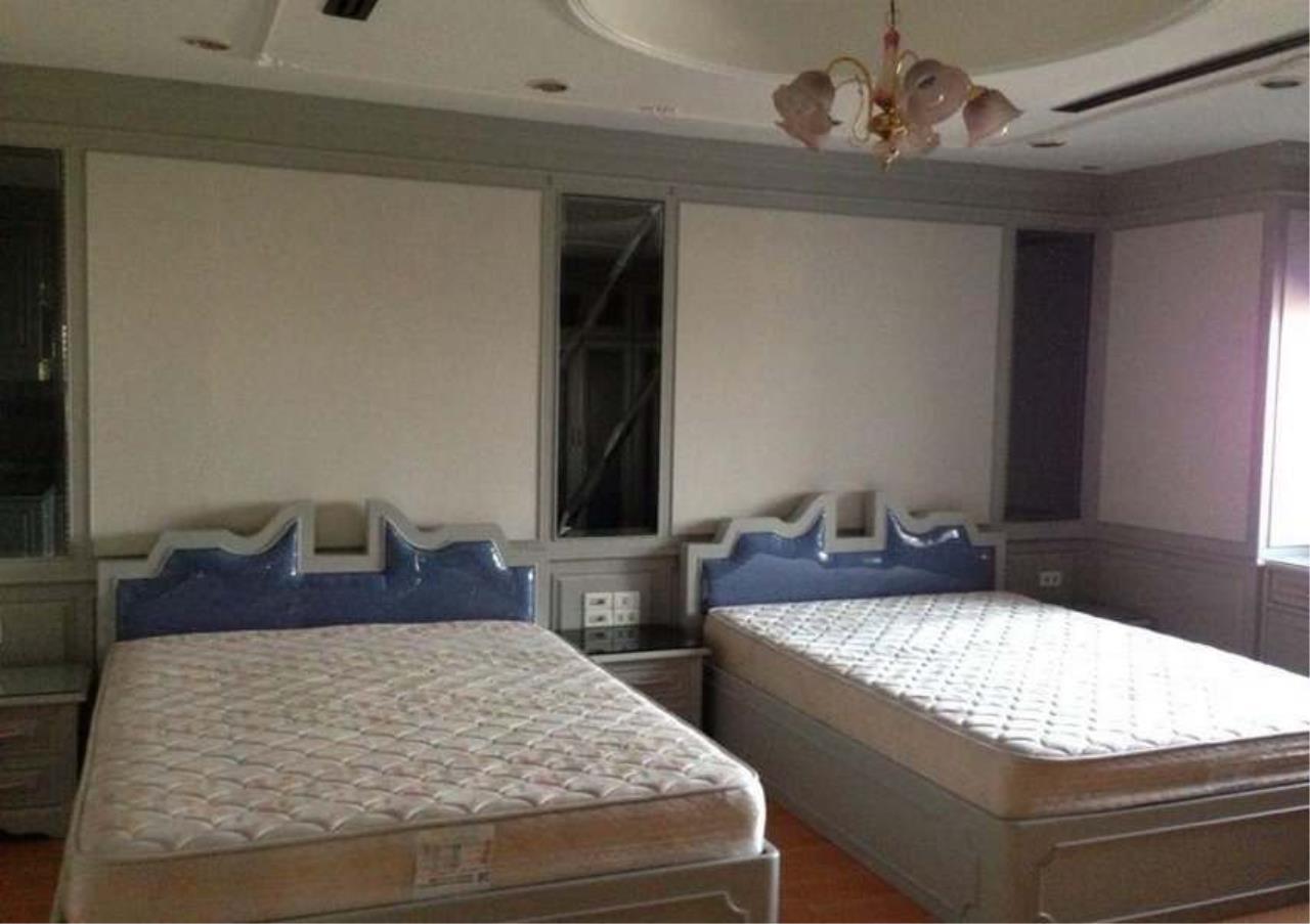 Bangkok Residential Agency's 3 Bed Condo For Rent in Ekkamai BR4246CD 7