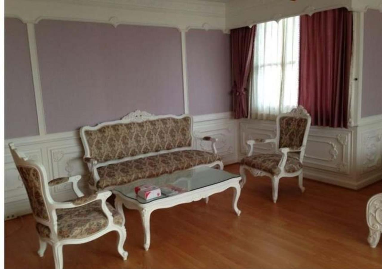 Bangkok Residential Agency's 3 Bed Condo For Rent in Ekkamai BR4246CD 9