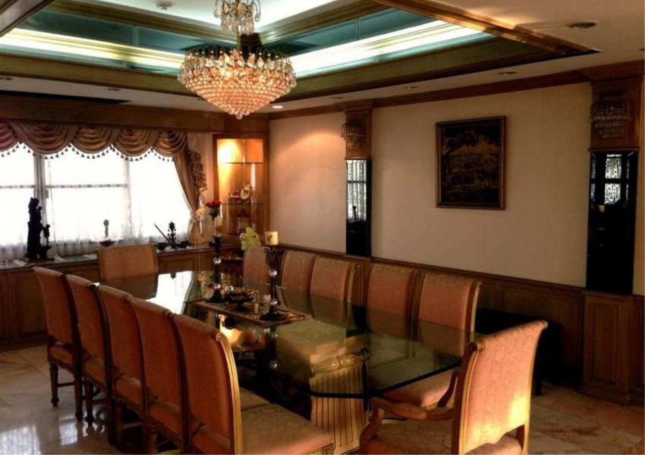 Bangkok Residential Agency's 3 Bed Condo For Rent in Ekkamai BR4246CD 13