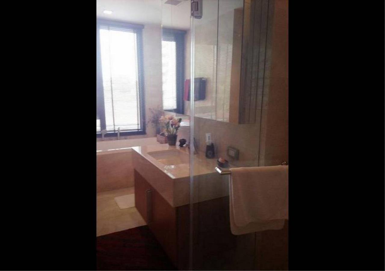 Bangkok Residential Agency's 1 Bed Condo For Sale in Phloenchit BR4254CD 2