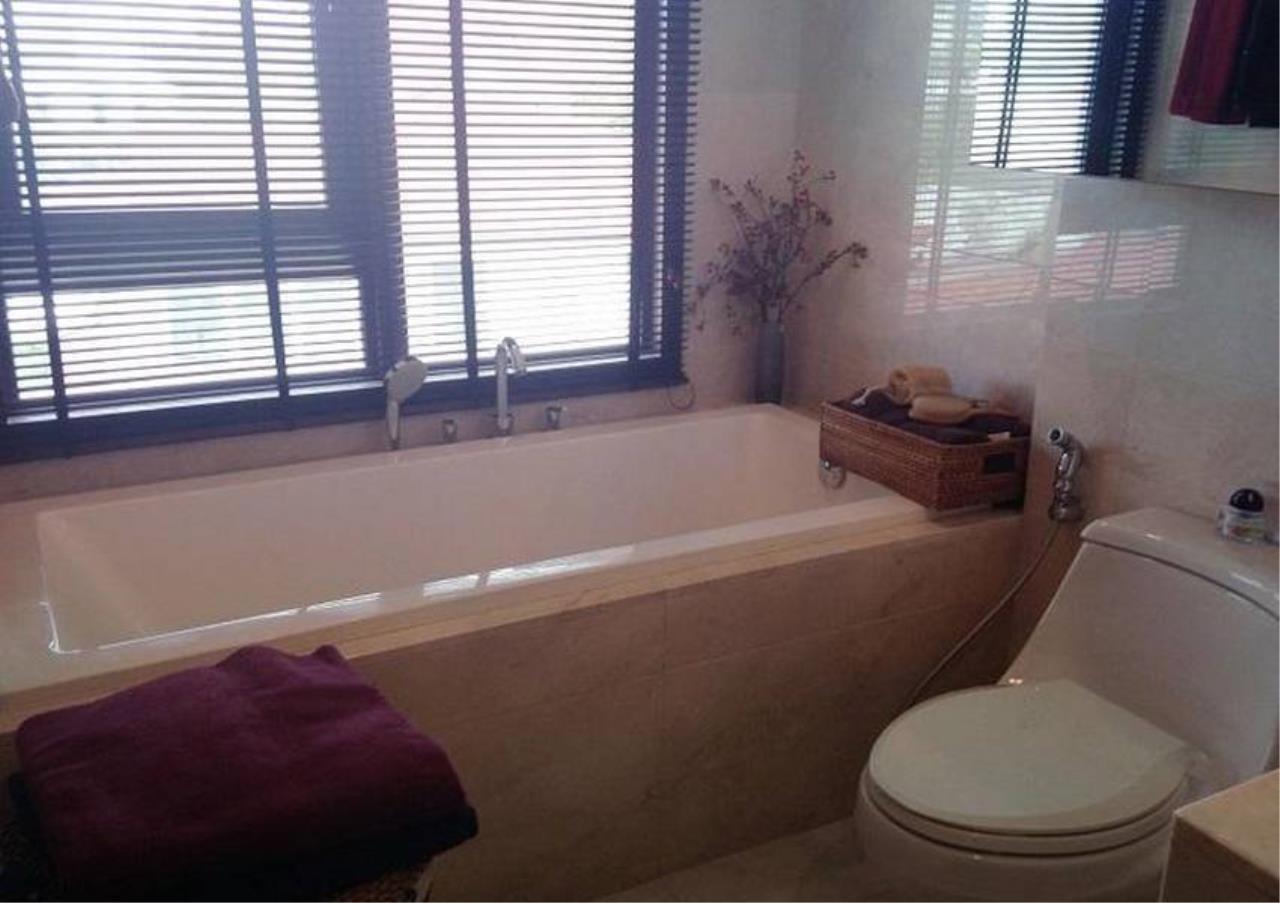 Bangkok Residential Agency's 1 Bed Condo For Sale in Phloenchit BR4254CD 3