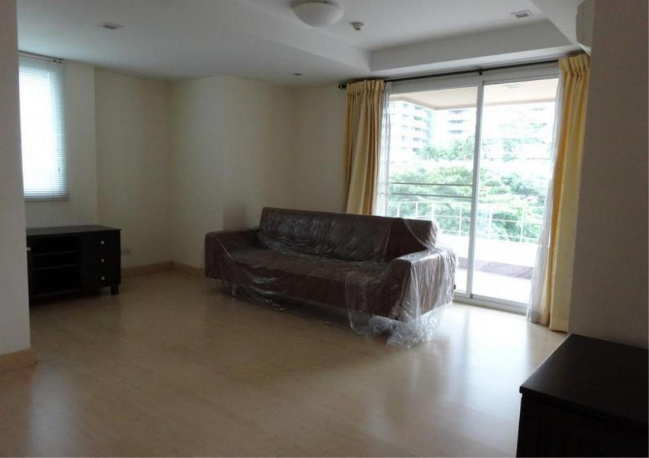 Bangkok Residential Agency's 3 Bed Condo For Sale in Phrom Phong BR4299CD 2