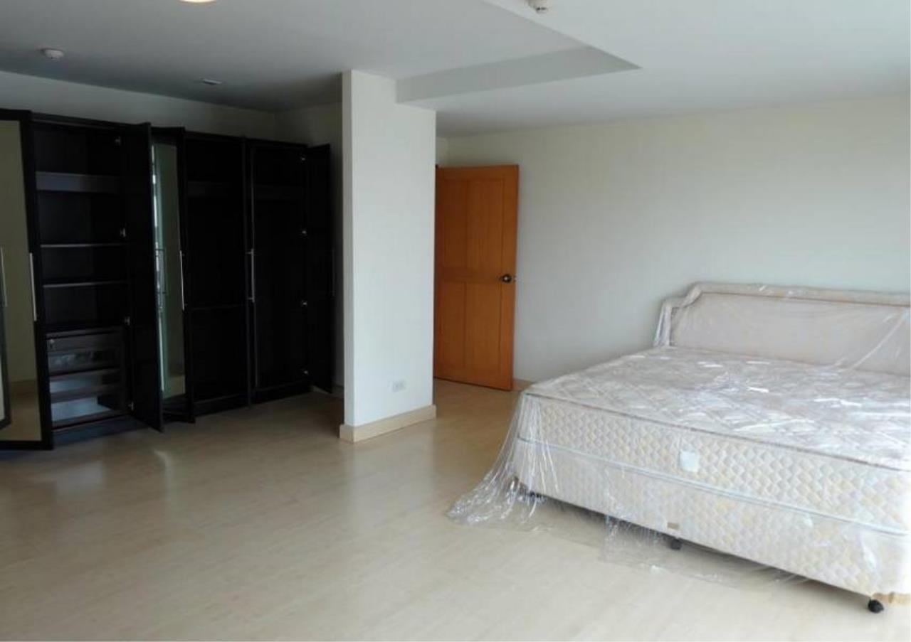 Bangkok Residential Agency's 3 Bed Condo For Sale in Phrom Phong BR4299CD 9
