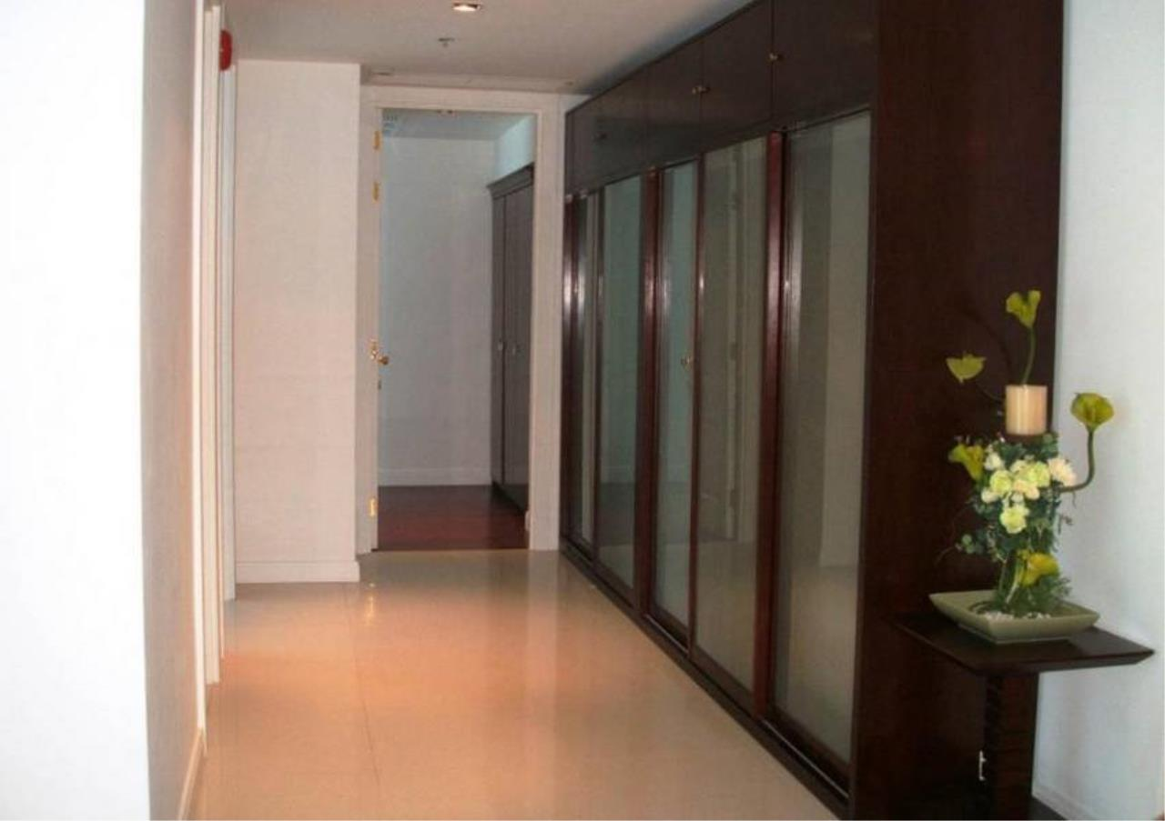 Bangkok Residential Agency's 2 Bed Condo For Rent in Phloenchit BR4319CD 8