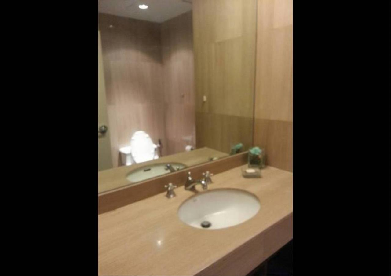 Bangkok Residential Agency's 1 Bed Condo For Rent in Chidlom BR4371CD 9