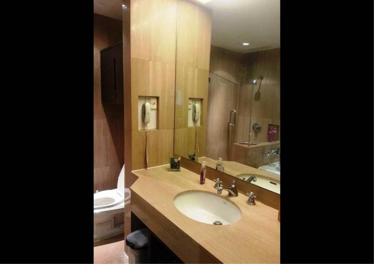 Bangkok Residential Agency's 1 Bed Condo For Rent in Chidlom BR4371CD 15