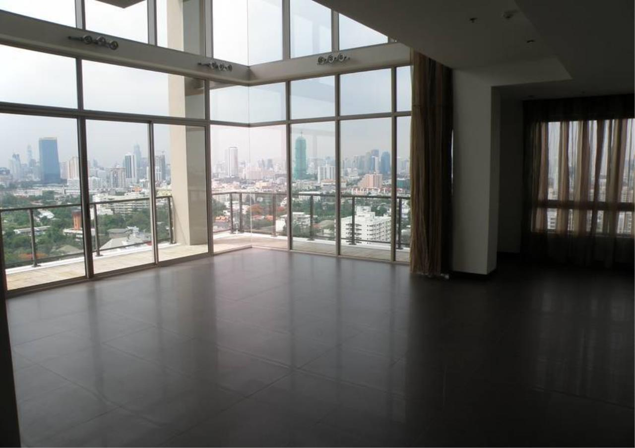 Bangkok Residential Agency's 4 Bed Condo For Rent in Sathorn BR4379CD 2