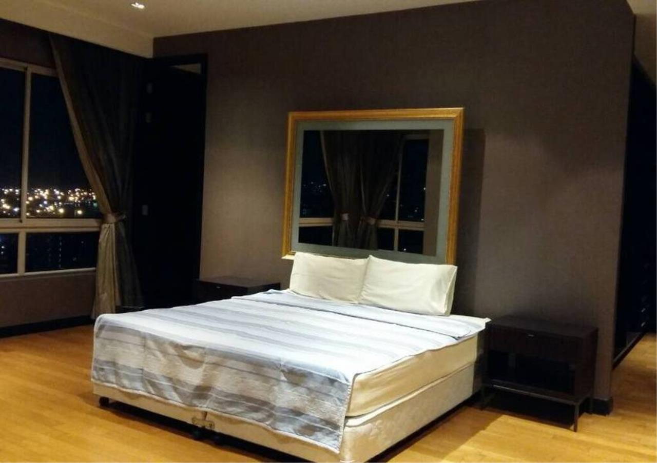Bangkok Residential Agency's 4 Bed Condo For Sale in Sathorn BR4379CD 9