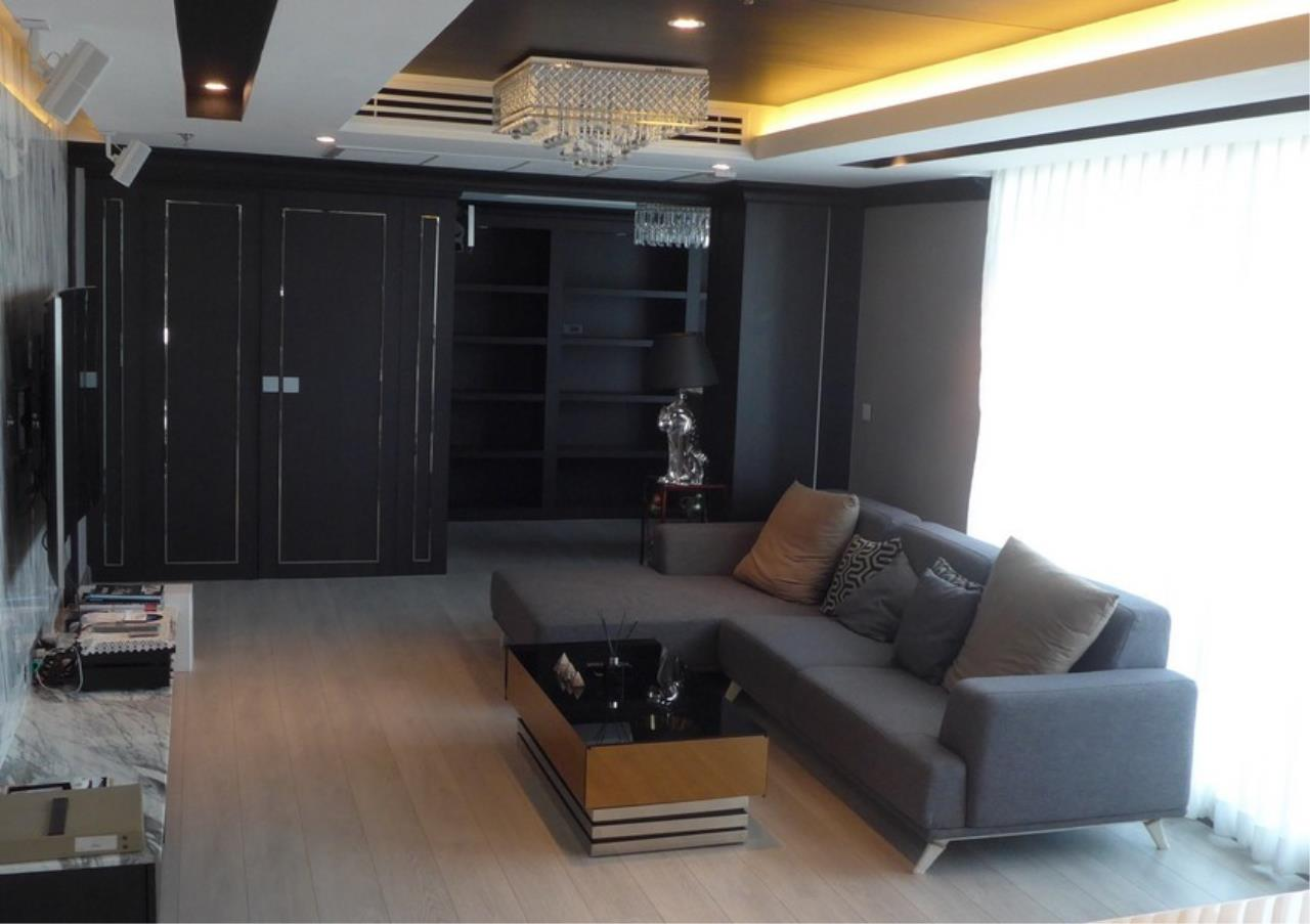 Bangkok Residential Agency's 3 Bed Condo For Rent in Phrom Phong BR4494CD 3