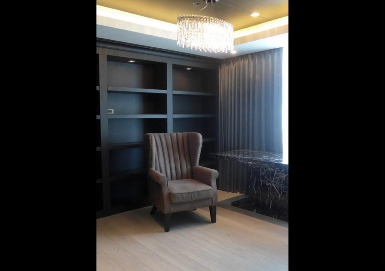 Bangkok Residential Agency's 3 Bed Condo For Rent in Phrom Phong BR4494CD 7