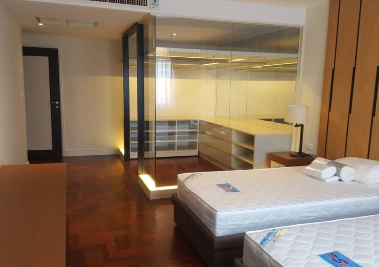 Bangkok Residential Agency's 3 Bed Condo For Rent in Nana BR4536CD 9