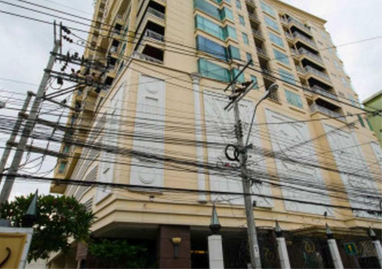 Bangkok Residential Agency's 3 Bed Condo For Sale in Phrom Phong BR4566CD 1