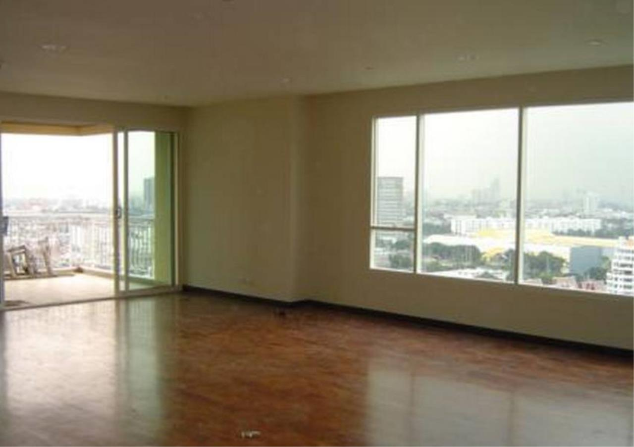 Bangkok Residential Agency's 5 Bed Condo For Rent in Phrom Phong BR4567CD 1