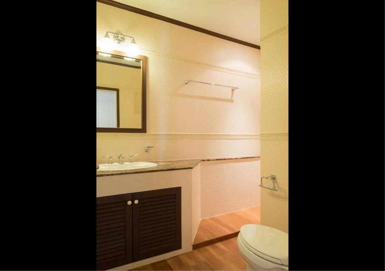 Bangkok Residential Agency's 5 Bed Condo For Sale in Ekkamai BR4607CD 11