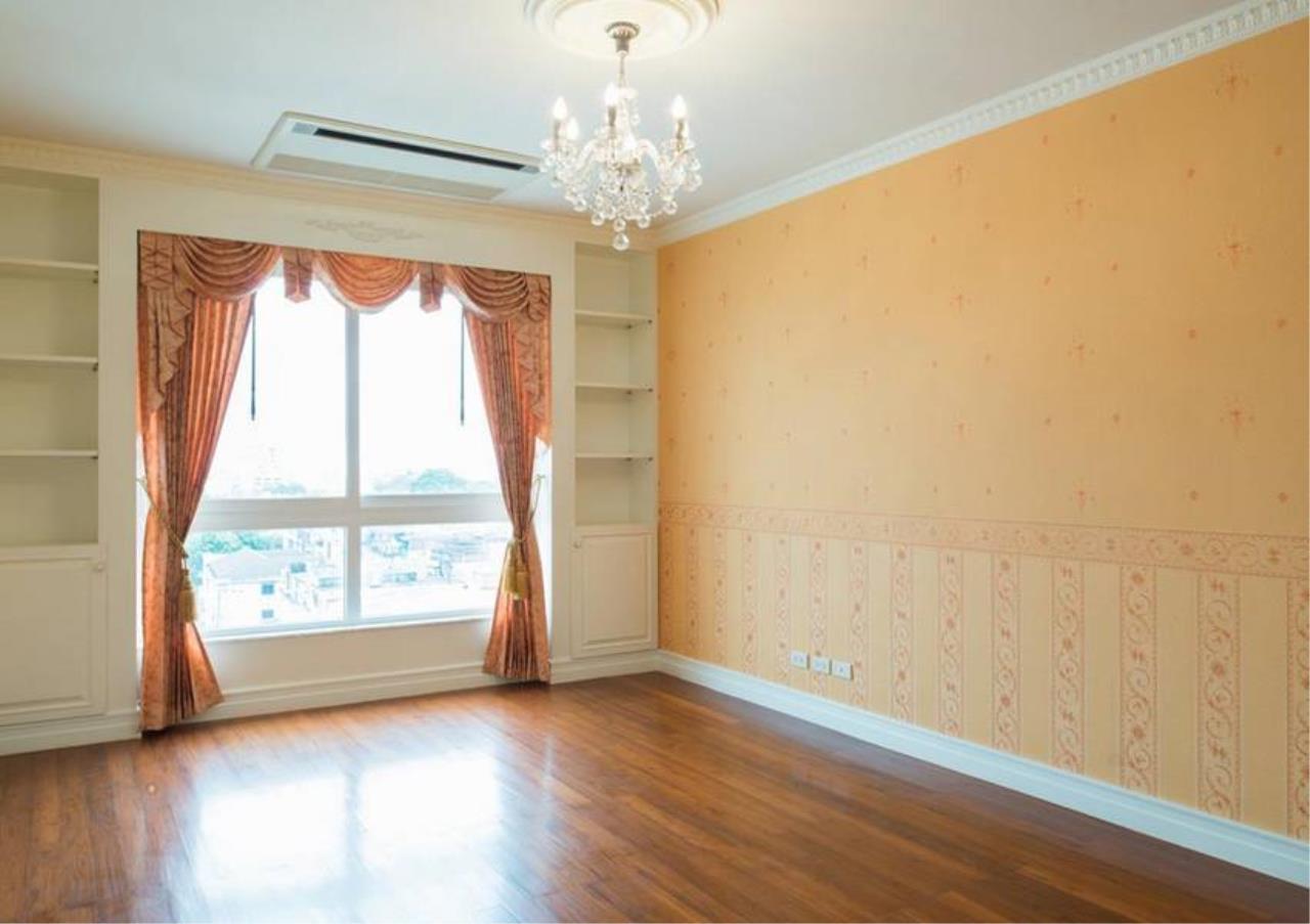 Bangkok Residential Agency's 5 Bed Condo For Sale in Ekkamai BR4607CD 17