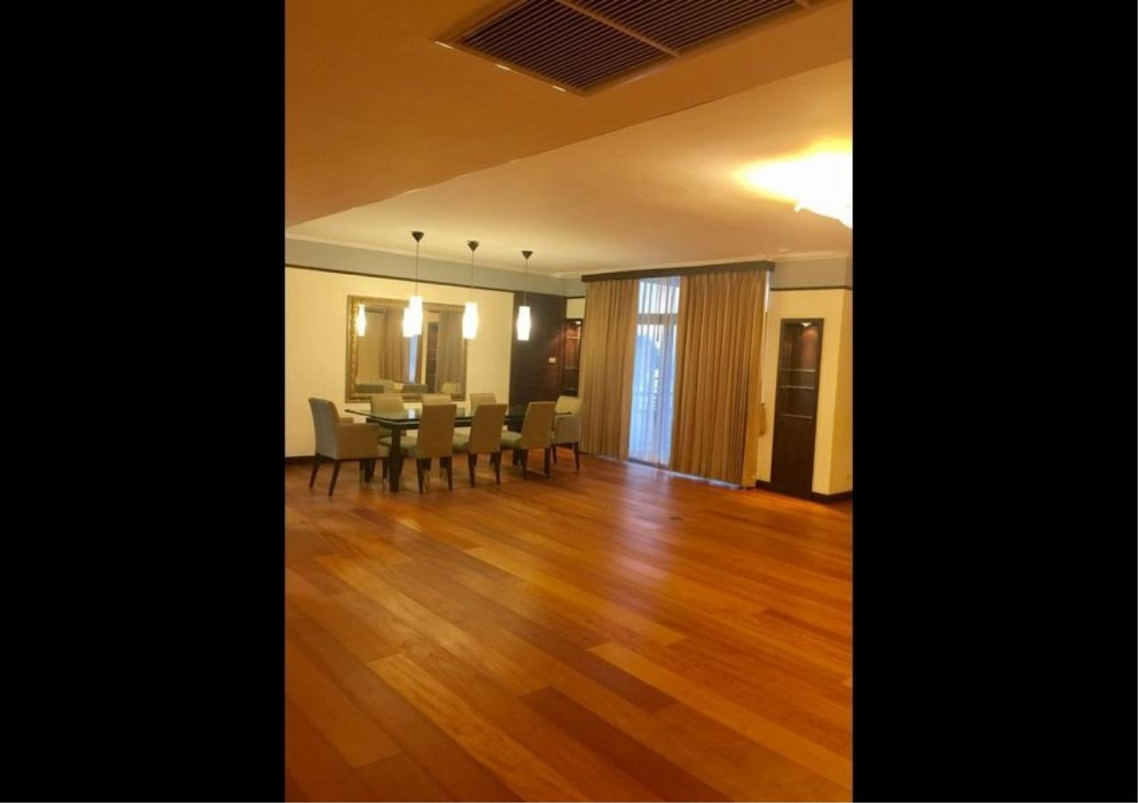 Bangkok Residential Agency's 3 Bed Condo For Rent in Phloenchit BR4612CD 1
