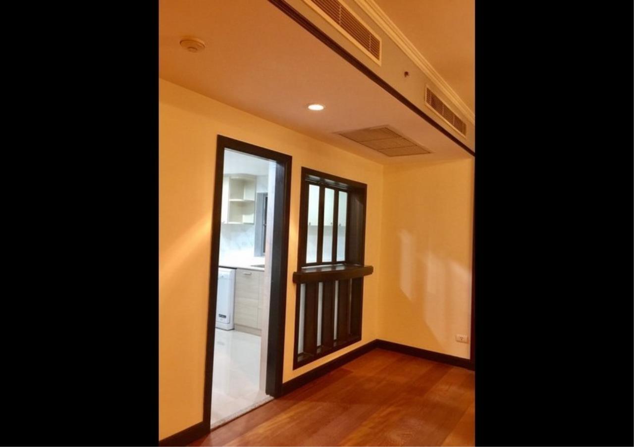 Bangkok Residential Agency's 3 Bed Condo For Rent in Phloenchit BR4612CD 3