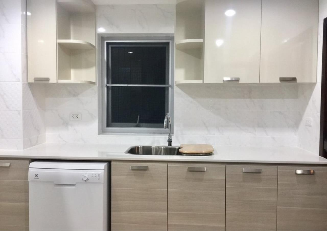 Bangkok Residential Agency's 3 Bed Condo For Rent in Phloenchit BR4612CD 5