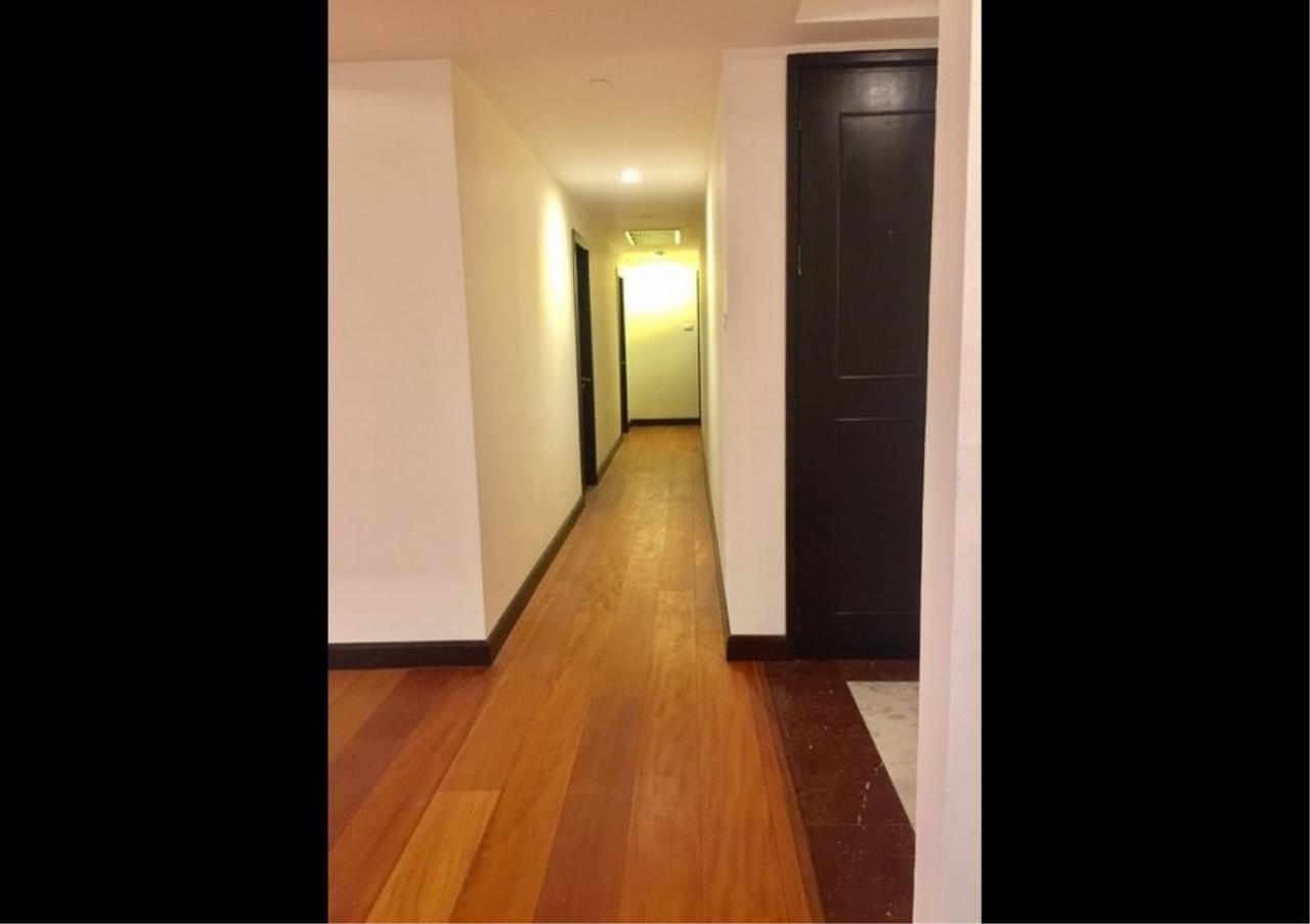 Bangkok Residential Agency's 3 Bed Condo For Rent in Phloenchit BR4612CD 6