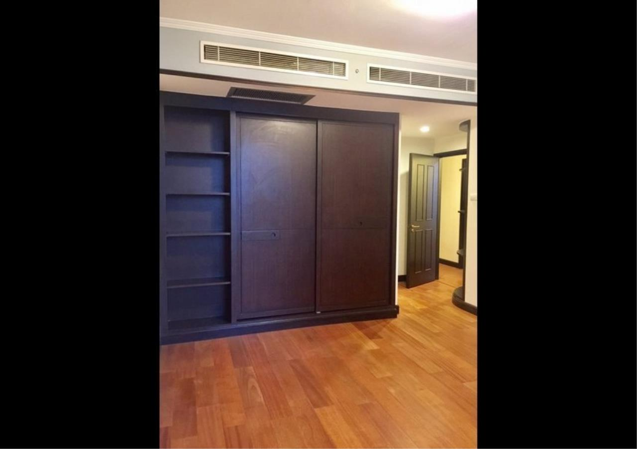Bangkok Residential Agency's 3 Bed Condo For Rent in Phloenchit BR4612CD 7