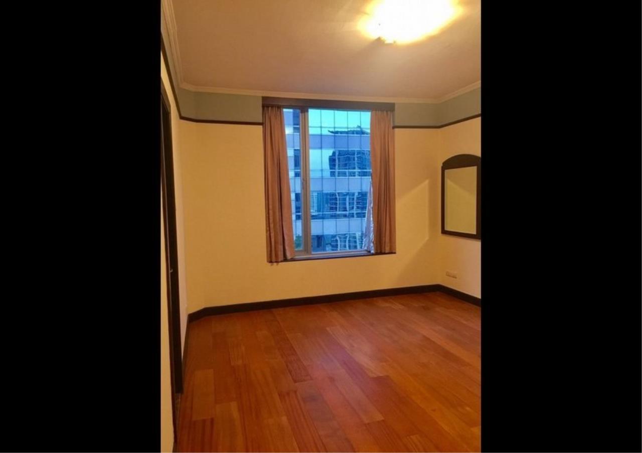 Bangkok Residential Agency's 3 Bed Condo For Rent in Phloenchit BR4612CD 8