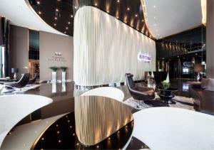Bangkok Residential Agency's 2 Bed Condo For Rent in Phra Khanong BR4765CD 1
