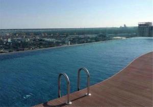Bangkok Residential Agency's 2 Bed Condo For Rent in Phra Khanong BR4765CD 2