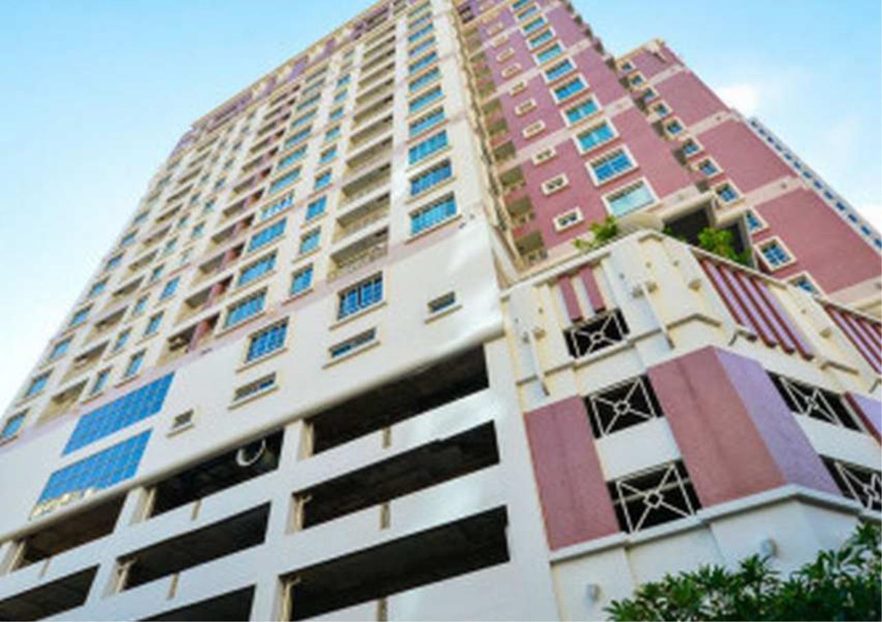 Bangkok Residential Agency's 3 Bed Condo For Rent in Asoke BR4773CD 2